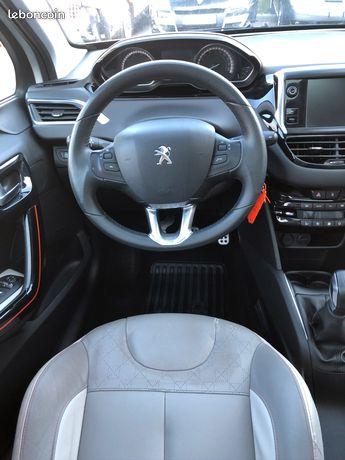 Peugeot 208 1.2 Vti 82cv Allure Finition Roland-Garros